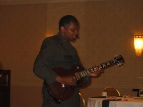 2010-10-20 Sam the guitar man IMG_0041